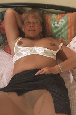 Aunt Petunia, mature BBW aunt enjoys role play.