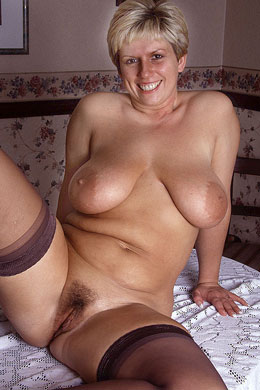 Busty, mature mommy Carol